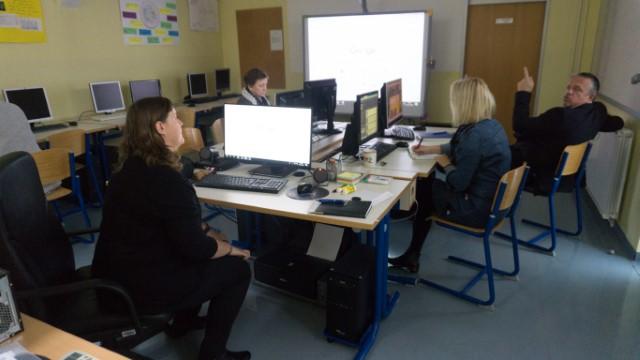 Izobraževanje za uporabo aplikacij pri pouku