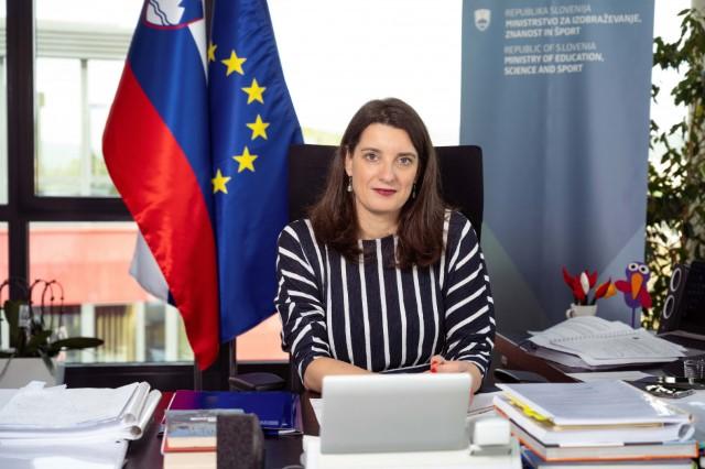 Poslanica ministrice prof. dr. Simone Kustec ob zaključku šolskega leta 2020/2021